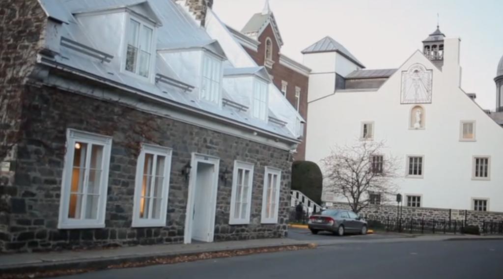 Une campagne et une maison pour ema - Symptome champignon maison ...